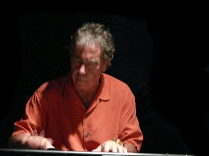 Bob Fraioli on Keyboards